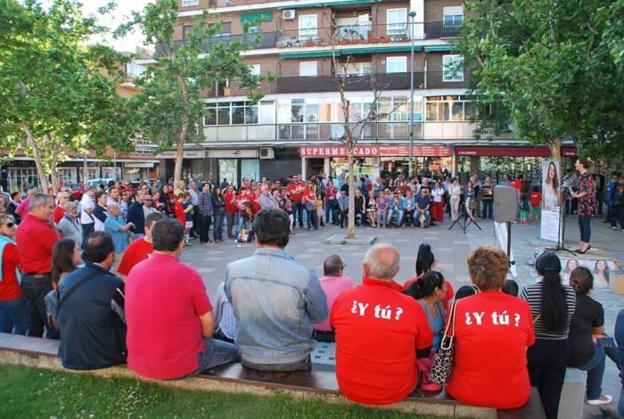 Acto público de MOVER Parla en Bulevar Sur con la candidata Beatriz Arceredillo