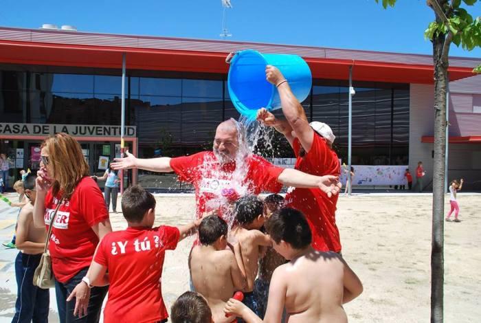 Fiesta del agua en el Día de la Familia de MOVER Parla