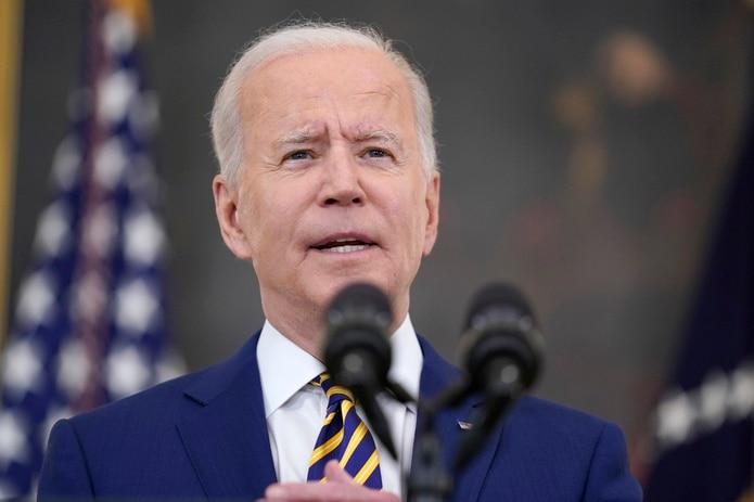 """Biden advierte que variante delta del coronavirus """"hará daño"""" si no avanza la vacunación"""
