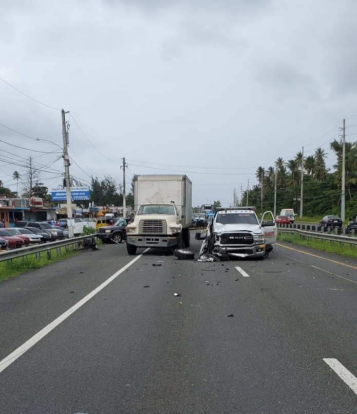 Accidente de tránsito fatalen la carretera PR-3 frente a los quioscos de Luquillo.