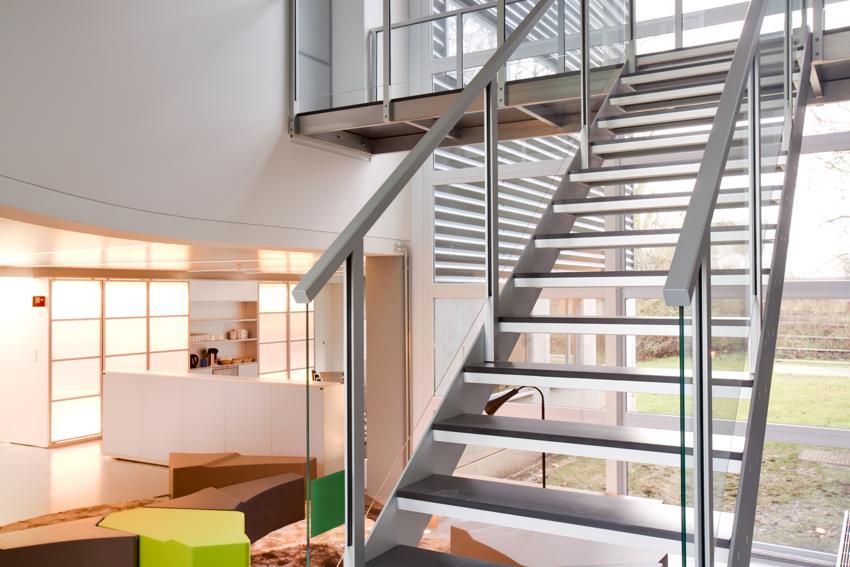 Escaleras de diseño y barandillas de (reformadepisos.net)
