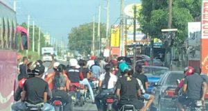Asociación de atracadores se desplaza por la carretera Mella atracandos