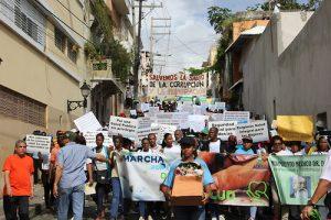 Dominicanos y dominicanas marchan para denunciar crisis hospitalaria y reclamar derecho a la salud