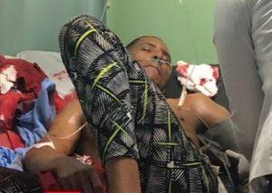 Video:Cuarto hombres penetran en clínica de SFM e hieren a puñaladas un hombre