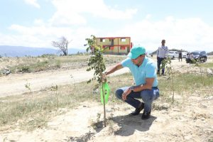 Alcalde Abel Martínez participa de importante jornada de reforestación en Vertedero Rafey