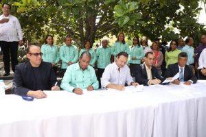 Ayuntamiento Santiago y Cooperativa La Altagracia firman convenio apadrinamiento Parque Colón