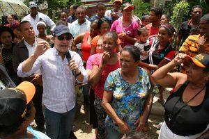 Alcaldía de Santiago inicia asfaltado Callejón de Pepa en La Ceibita