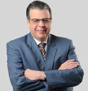Doctor Manuel Lora Perelló declina a la precandidatura a la alcaldía de Santiago