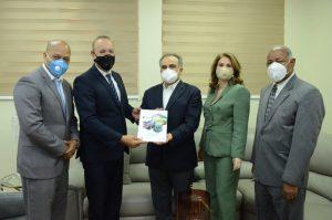 Director de ProIndustria Ulises Rodríguez recibe visita de cortesía de ejecutivos del AIRD