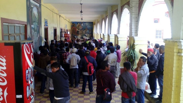 Toman pobladores de Ocotlamanic, la presidencia de Coxcatlán