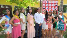 Luis Felipe Hernández y Las Candidatas a Reina de las Fiestas Patrias