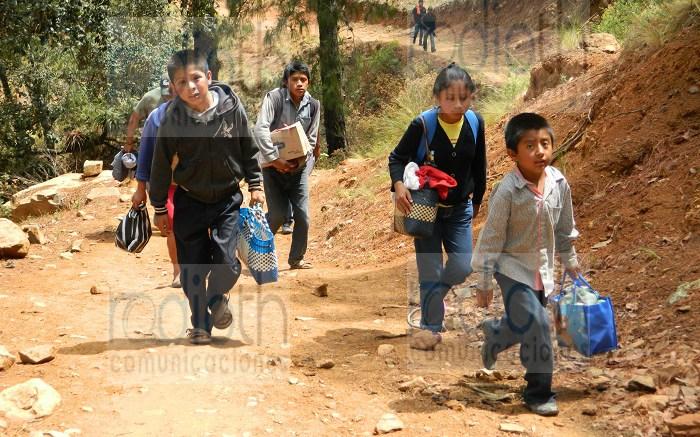 Habitantes de Potrero piden asilo en Coxcatlán, temen por su vida