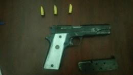 Aseguran a 3 personas por portación ilegal de arma de fuego
