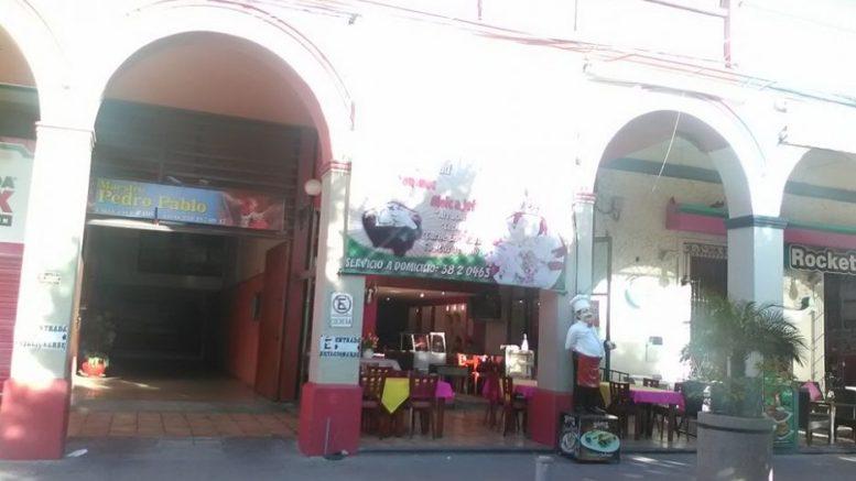 Se capacitan en primero auxilios a personal de bares y restaurantes de Tehuacán.