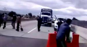 Encapuchados toman autopista Puebla - Acatzingo