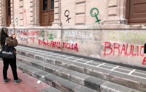 El Gobierno de Chihuahua no borrará pintas en edificios públicos: Javier Corral