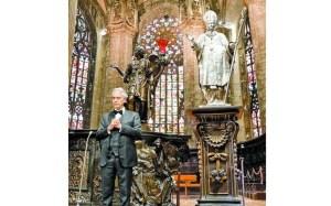 Plegaria musical de Andrea Bocelli en la Catedral de Milán