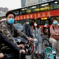 Vuelve China al confinamiento por repunte de casos de Covid