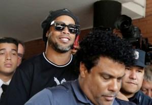 #Deportes  Ronaldinho a prisión domiciliaria
