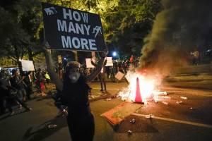 """Considera Trump que protestas son de """"izquierdas radicales"""""""