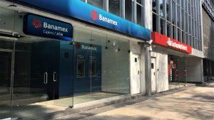 Cierran bancos por Día de Muertos