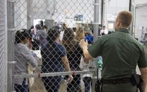 Formará Biden grupo de trabajo para reunir a niños separados de sus padres al cruzar la frontera
