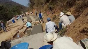 Programa de pavimentación genera en Oaxaca, casi 50 mil empleos