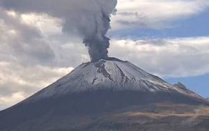 Registra el Popocatépetl, caída de ceniza