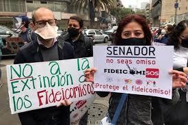 Protestan en el Senado por desaparición de fideicomisos