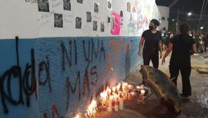 Policía dispersa protestas por feminicidio en Cancún