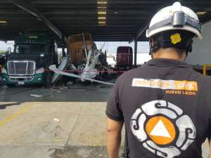 Se desploma avioneta en Nuevo León