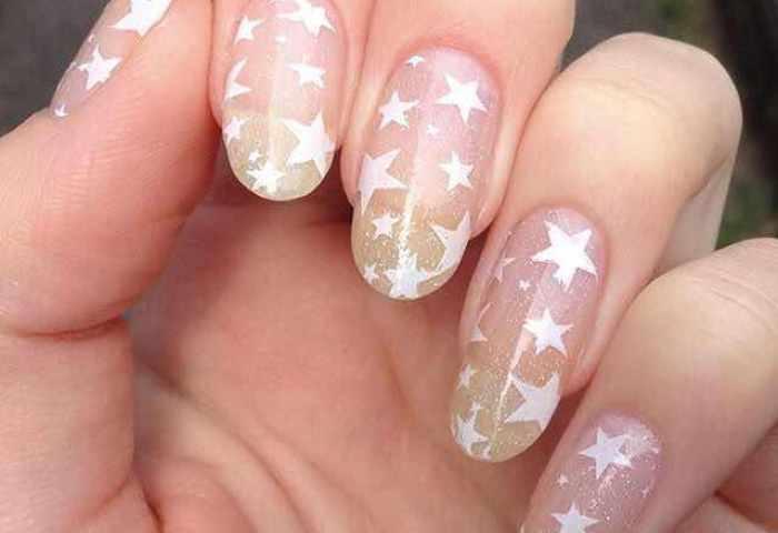 25 Diseños De Uñas De Estrellas Que Te Encantarán