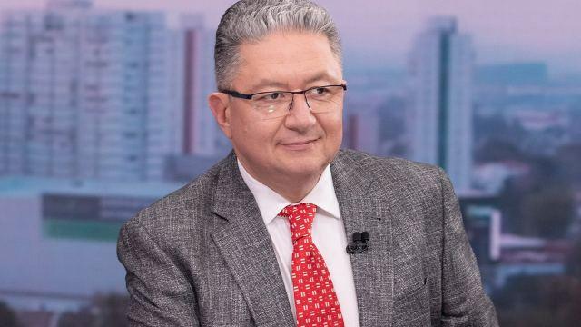 Enrique Campos participa en Despierta de Noticieros Televisa y es titular de Paralelo 23 en Foro TV