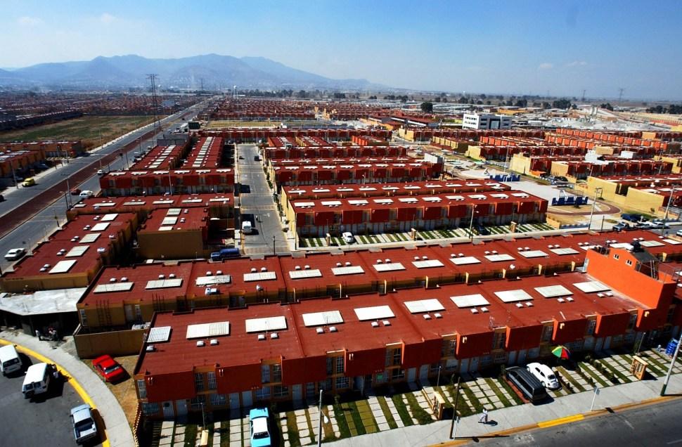 Vista del desarrollo de casas en Tecamac en el año 2005.