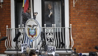 Assange: Defensa presenta acción legal contra Ecuador