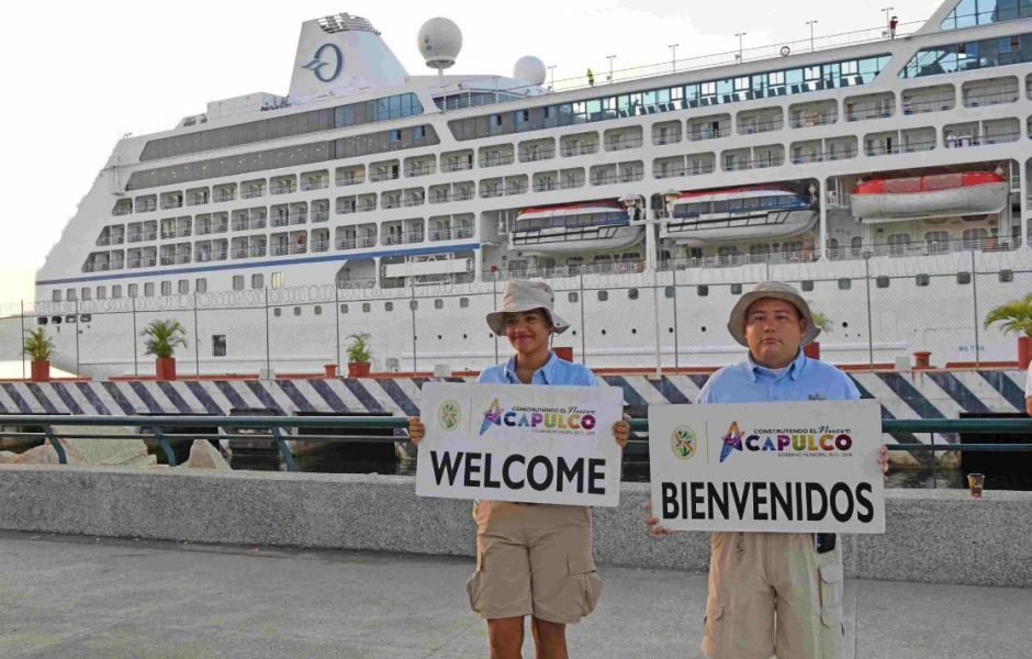 Turistas aprovechan último fin de semana de vacaciones en Acapulco