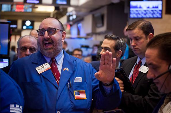Corredores de bolsa en Wall Street. (Getty Images, Archivo)