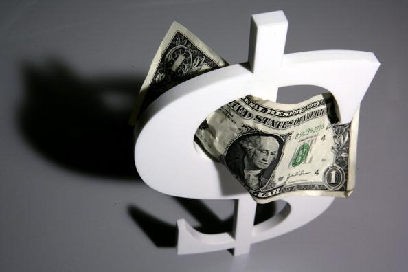 Durante la jornada el peso rompió brevemente la barrera de las 20 unidades por dólar después de que la Comisión de Cambios anunció que ofrecerá al mercado coberturas cambiarias liquidables en la moneda local (Getty Images, archivo)