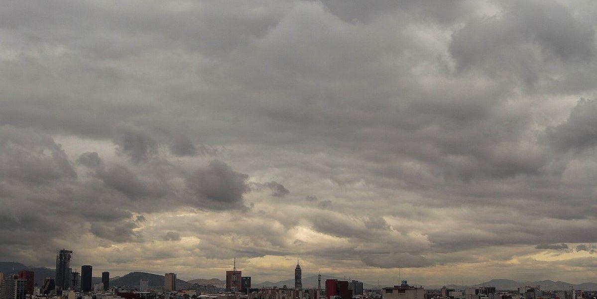 Prevén nublados y ambiente frío en la CDMX