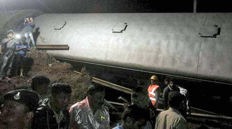 Descarrrila tren en India