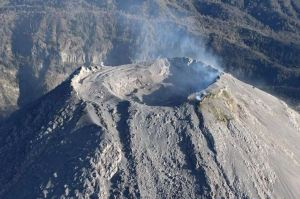 Continúa actividad explosiva en el Volcán de Fuego de Colima