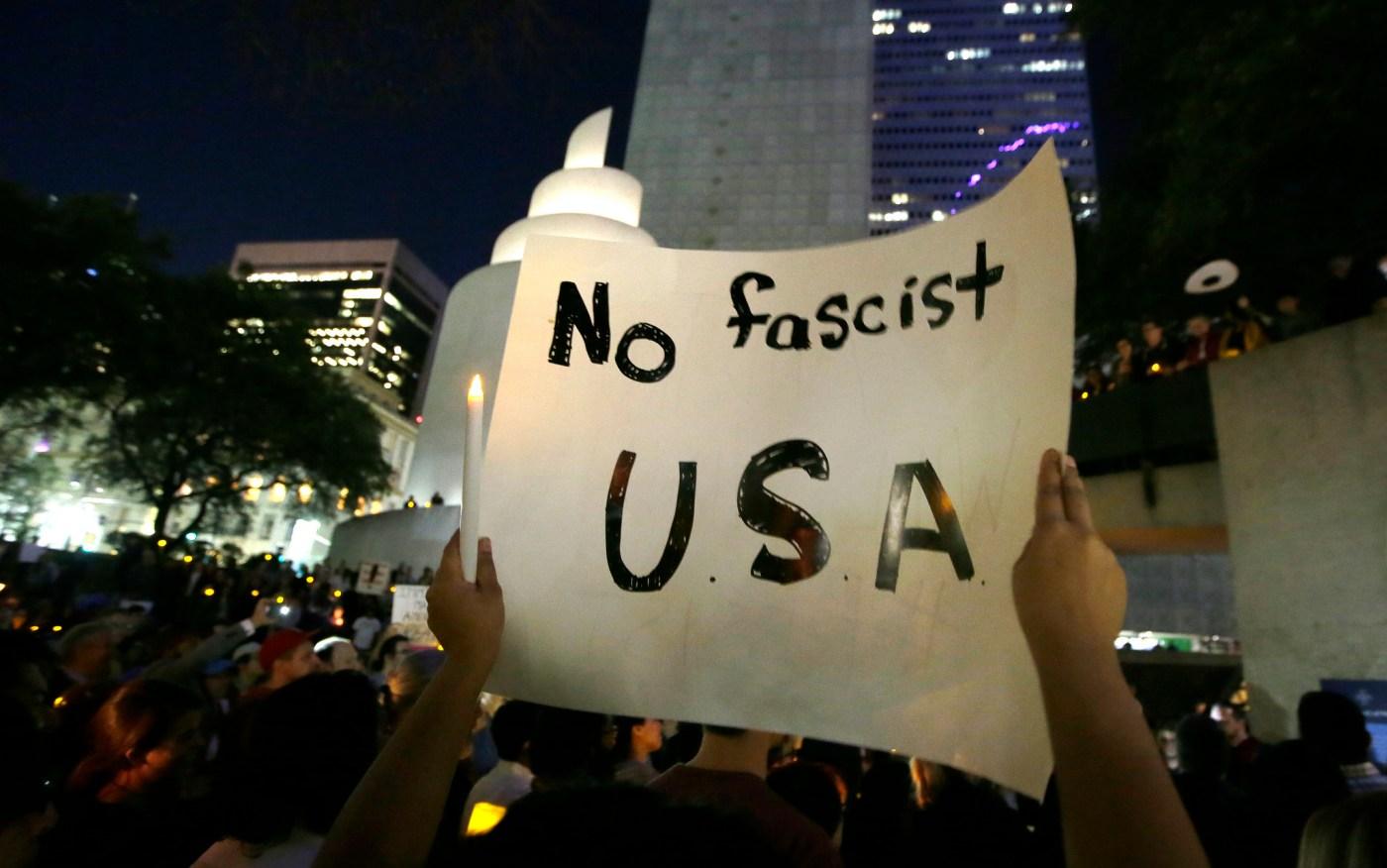 protestas contra Trump y Bannon