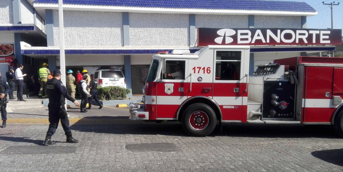 El incidente ocurrió sobre la avenida Ávila Camacho y la calle de Guardia Nacional, en Zapopan.