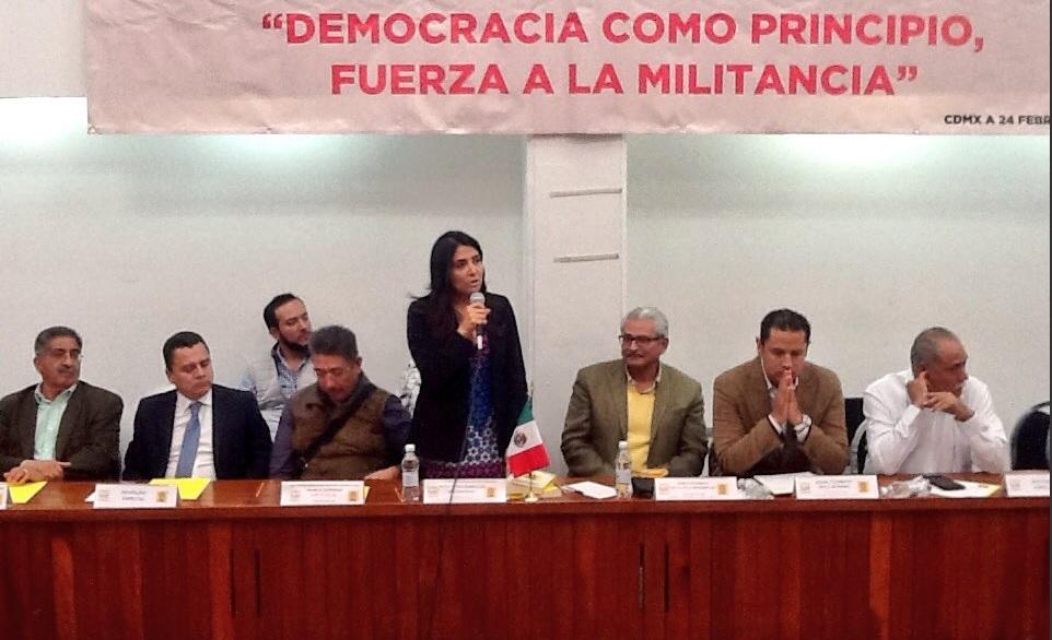 Alejandra Barrales presidió el registro al PRD de un movimiento de fuerzas campesinas
