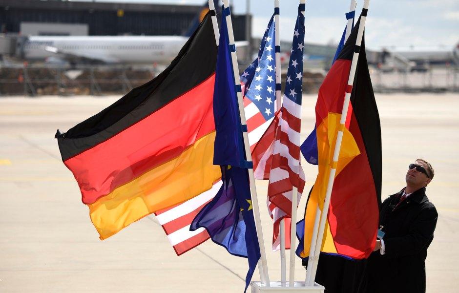 Foto ilustrativa con las banderas de Alemania y Estados Unidos (AP)