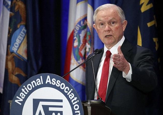 El procurador general Jeff Sessions durante la reunión anual de la Asociación Nacional de Procuradores Generales en Washington (AP)
