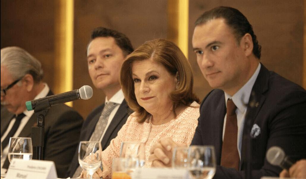 Arely Gómez subrayó que la Concamin tiene la oportunidad de socializar y concientizar a los trabajadores del sector industrial, sobre la importancia del combate a la corrupción . (@ManuelHerreraV)