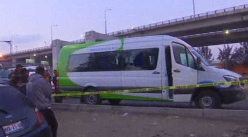 Asaltan transporte público en la Ciudad de México; muere una persona. (Noticieros Televisa)