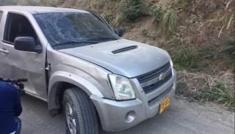 La caravana en la que se movilizaba el gobernador del departamento de Norte de Santander, William Villamizar Laguado, fue atacada. (@fredyfigueroa2)