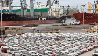 Vehículos en Veracruz, a la espera de ser embarcados (Getty Images)